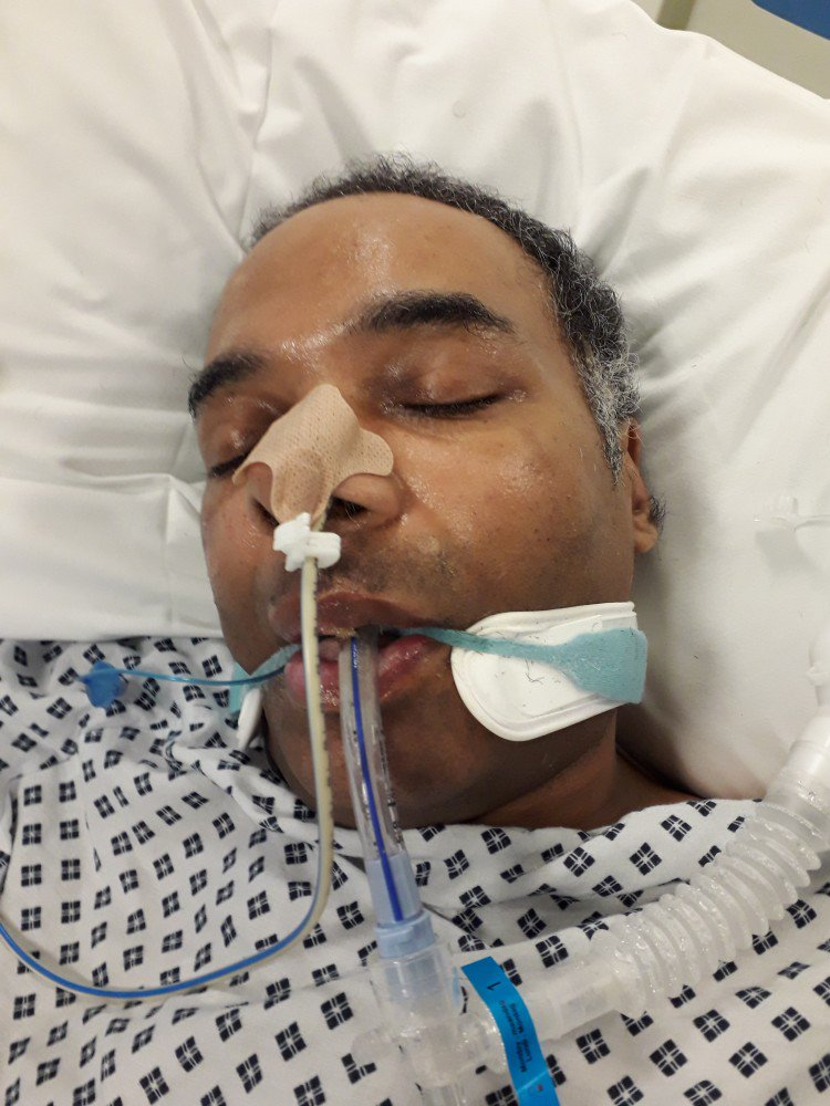 Officers appealing to identify collapsed man issue a second image https://t.co/ftgTYAcbWX https://t.co/pKEFBtWHCM