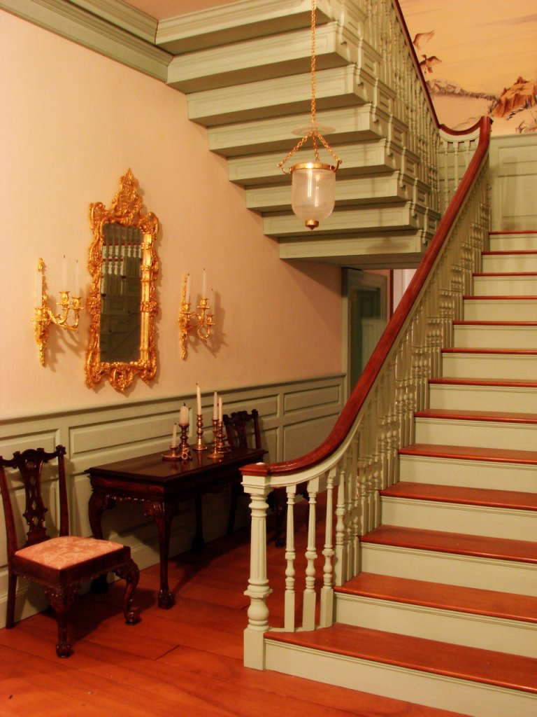 18th-century mansion... or dollhouse?   See more stunning miniatures here: https://t.co/NinK48M4aC https://t.co/lGyz4b3Ccx