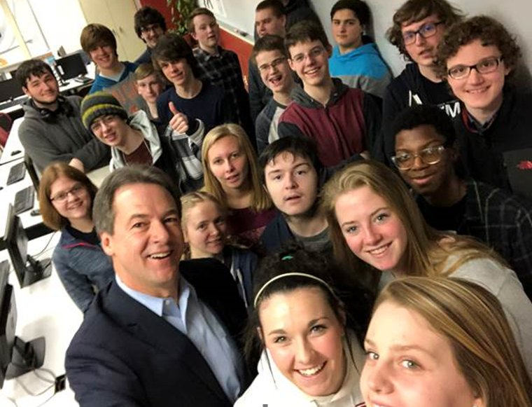 Gov. Bullock tells Helena High students that Montana is first state in country to require recipients of state contracts follow internet neutrality rules. He joins them for selfie after speech. #mtnews https://t.co/urFrKfDHKi