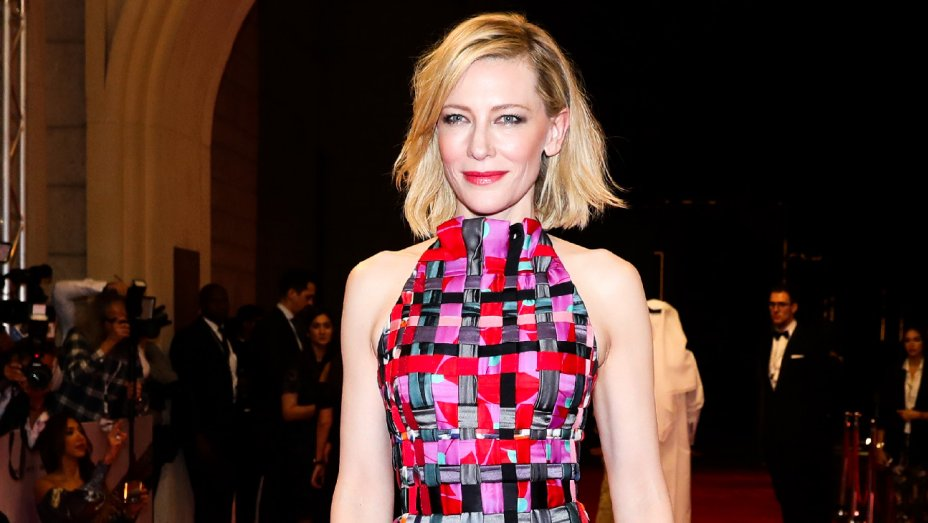Davos Awards: Cate Blanchett, @eltonofficial talk refugee, HIV crises