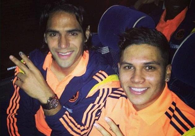"""RT @GolCaracol: """"Falcao me felicitó"""" por el paso a River Plate, dijo Juan Fernando Quintero https://t.co/zNLmot2KZX https://t.co/kZ33AqVc1R"""