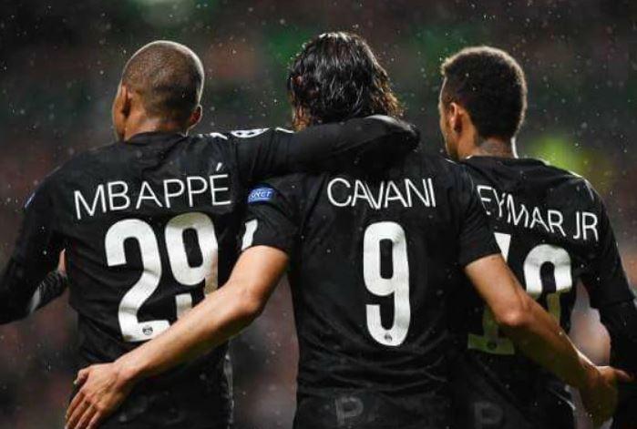 Lyon maçında sakatlanan Mbappe, 2 ay sahalardan uzak kalacak. [ESPN] https://t.co/RHng8xlwj3