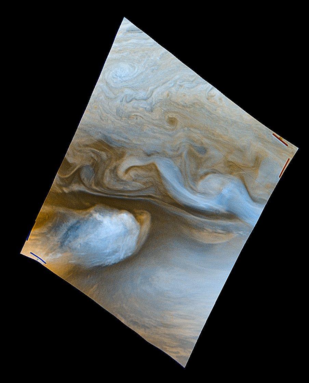 Working on a larger Jupiter mosaic from Voyager 1 and figured I'd share this lovely little spot that caught my eye - https://t.co/LkrfJqs8AV https://t.co/p9GtaQpVT3
