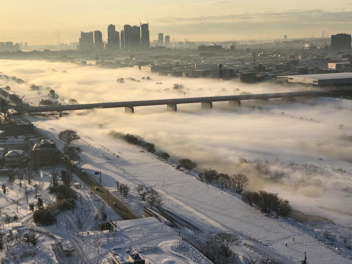 RT @kenbowlize: 多摩川が。。#多摩川 #二子玉川 https://t.co/aFgpDpThDi