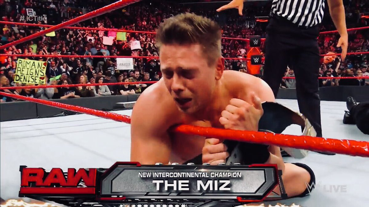 #TheMiz Def. #RomanReigns To Become A 8x IC Champion  #RAW25 https://t.co/pabxTFxrNB