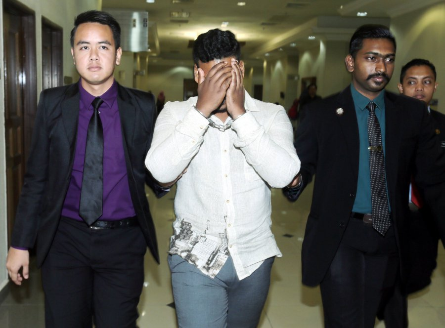 Court jails and fines Sri Lankan who tried bribing cop