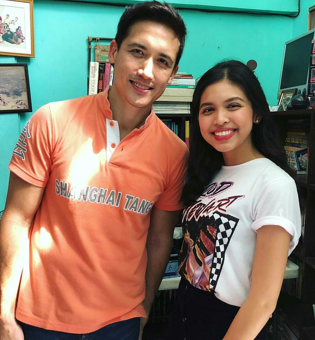 Quick photo with my Ate @mainedcm! Haha! @mainedcm 😚💕  © giansotto IG Update  #ALDUBMissNaMiss https://t.co/KqLH0pA6Er