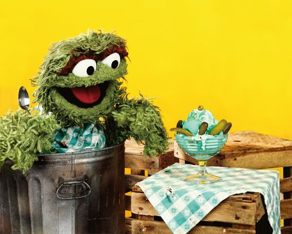 RT @OscarTheGrouch: Ya wanna know some #OscarNoms? Pickle ice cream. That's a grouch's favorite! https://t.co/qtMh0FWVen
