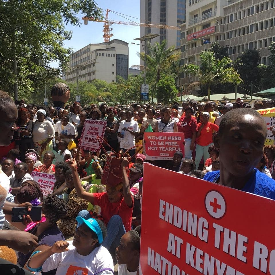 Services at KNH paralysed as mortuary attendants face off with protesters
