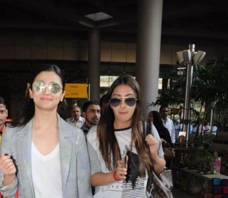 .@aliaa08 & @Akansharanjan spotted at #Mumbai airport https://t.co/kJwL5I9rb0