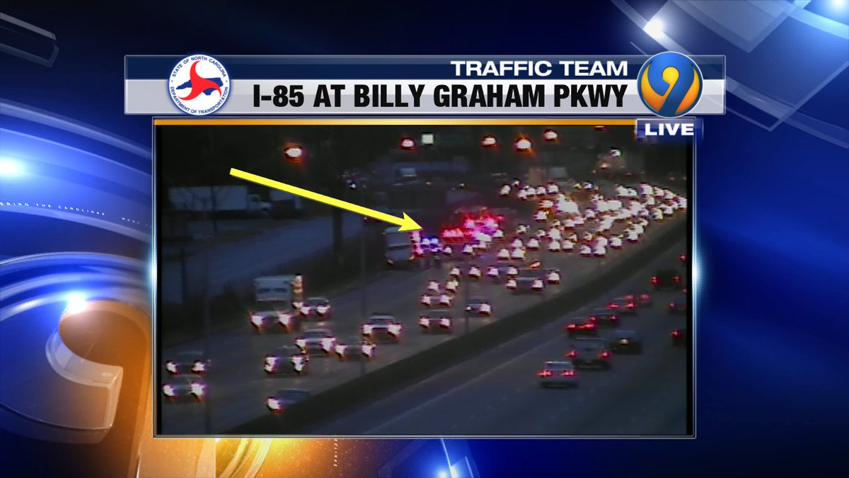 UPDATE: This wreck is I-85 NB at Billy Graham Pkwy blocking right lane.  Delays forming. #cltraffic #clttraffic #clt https://t.co/4fE06ynhhH