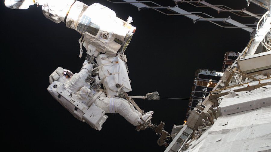 Astronauts Mark Vande Hei and Scott Tingle have floated outside the International Space Station on a spacewalk to begin replacing a latching hand on the orbiting lab's Canadian-built robotic arm. Watch live: https://t.co/tX1L9ELAeH https://t.co/tH2bvJw2HL