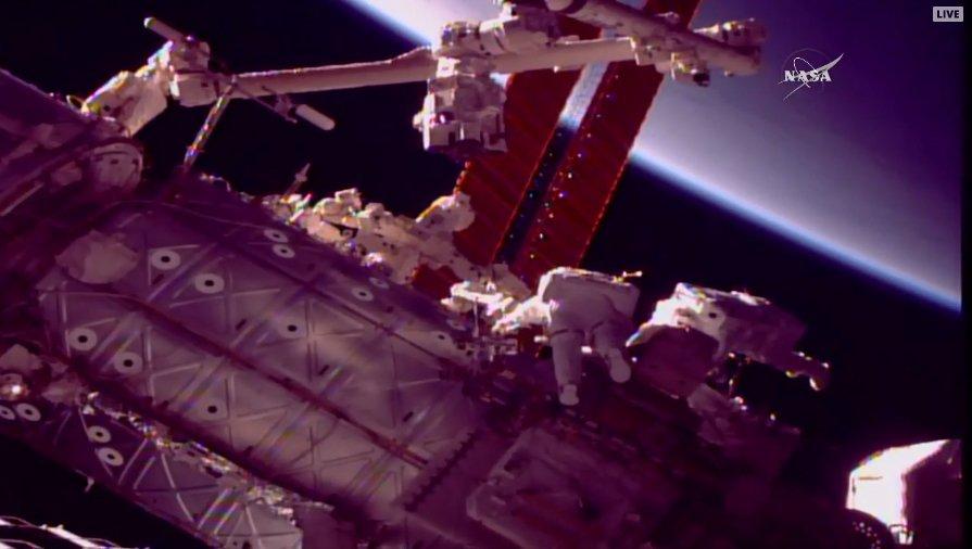 RT @NASASpaceflight: PET 90 minutes for EVA-47 - ahead of schedule. https://t.co/MltIdxdV63