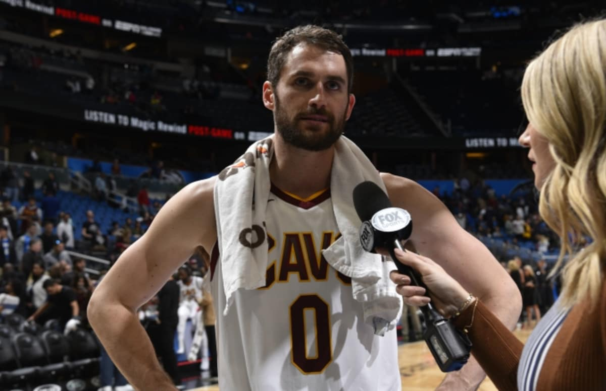 Kevin Love reportedly targeted by Cavaliers teammates during tense meeting. https://t.co/p5ySR7MRUO https://t.co/ekCMk0YlFN