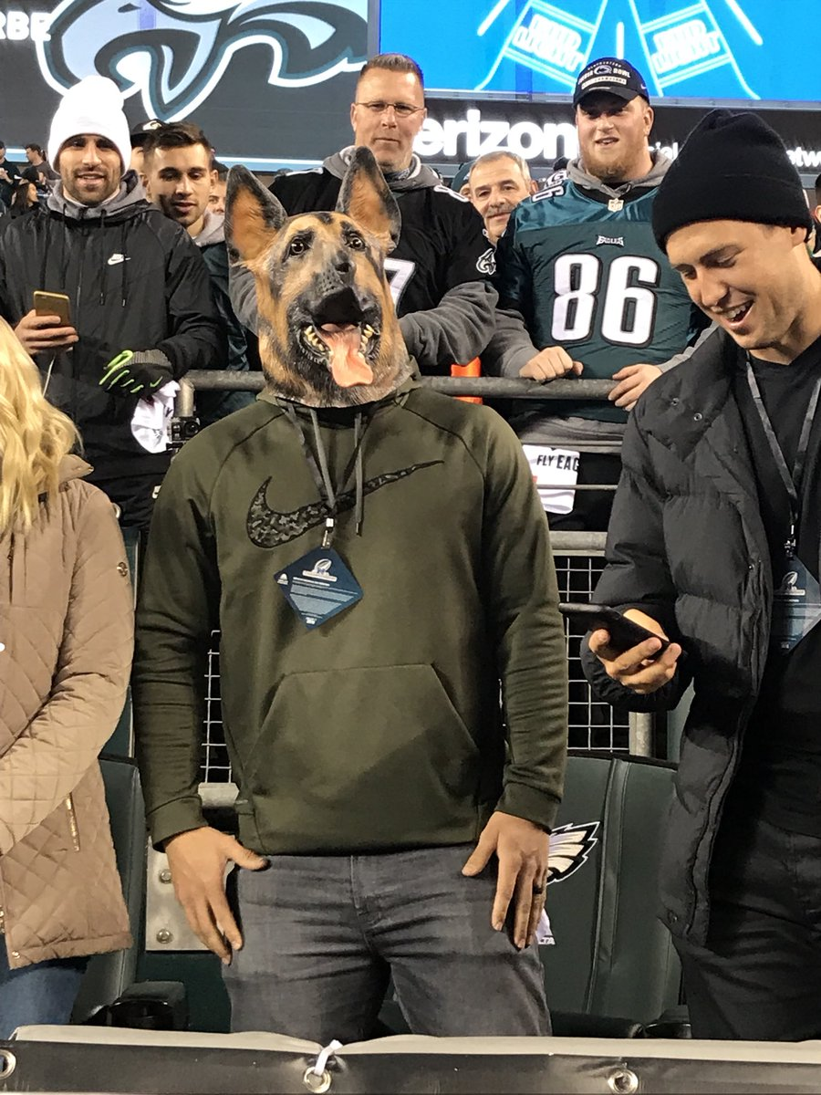 Mike Trout is picking the #Eagles to win the Super Bowl, 31-24.   #FlyEaglesFly @FOX29philly https://t.co/9n1VhHBHkP