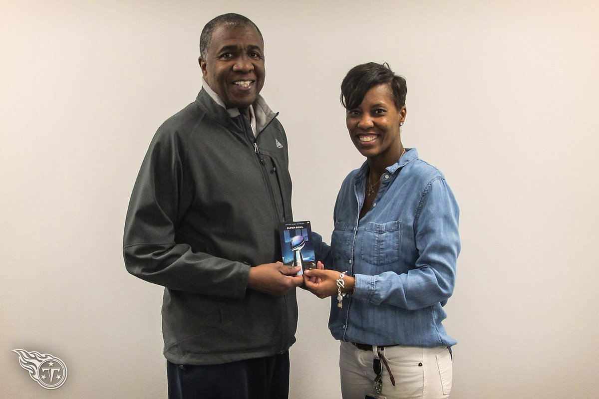 We've donated a pair of Super Bowl tickets to the @tssaa and Bernard Childress, the Executive Director of Tennessee Secondary School Athletic Association. The Tennessee Titans have been a proud sponsor of the Tennessee High School Mr. Football Awards. https://t.co/2Nr28rwjw9