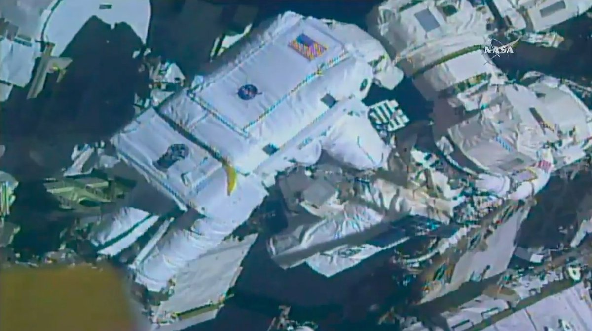 Spacewalkers have replaced a latching hand on the International Space Station's robotic arm, and the new component has been powered up successfully after an initial software glitch. https://t.co/tX1L9ELAeH https://t.co/k7PVtymKnq