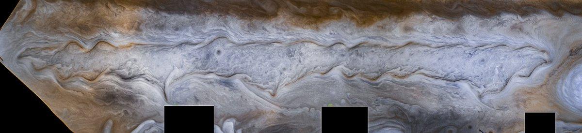 Here's interesting white stripe spanning Jupiter back in 1979 when photographed by Voyager 1 - https://t.co/CXdflfj4xO https://t.co/K0spHf5Bb8