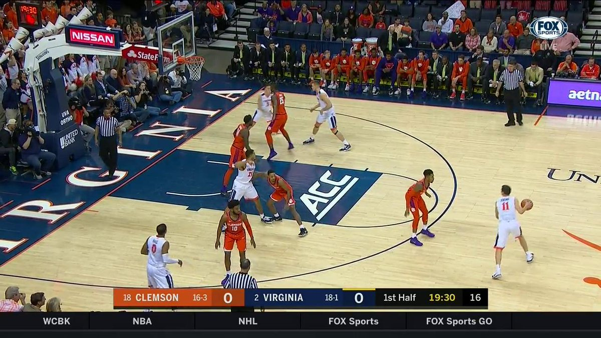 Kyle Guy FROM DISTANCE ...  Opens with a 3, and has made one in every game for @UVAMensHoops this season. https://t.co/7RfH2rucBj