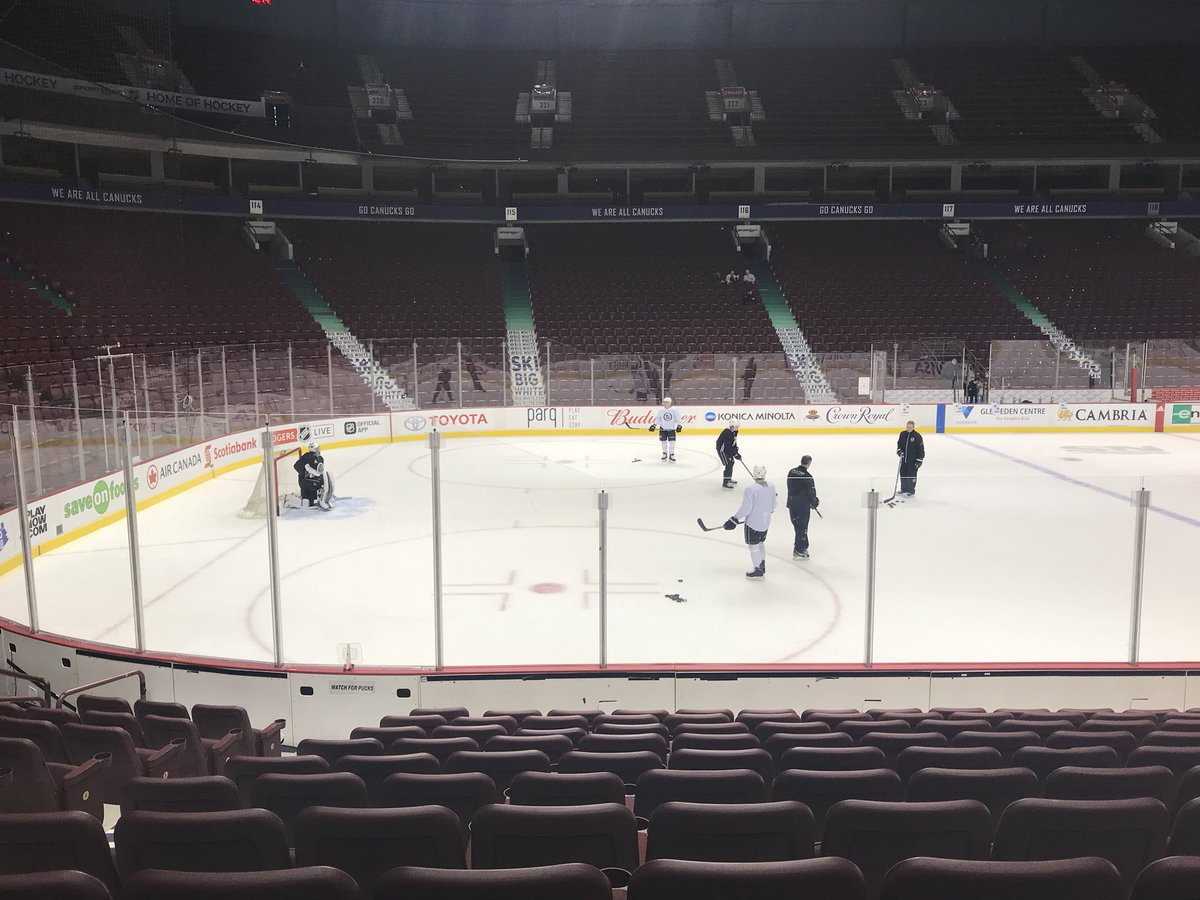 A few more pics of the #LAKings on the ice in Vancouver #GoKingsGo https://t.co/eHH2eaQPqg