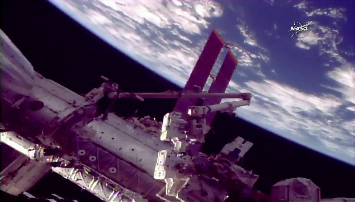 Spacewalking Astronauts Shrug Off Glitch During Repair Job on Space Station https://t.co/UUvbnIAoxw https://t.co/0w2gDjY9gz