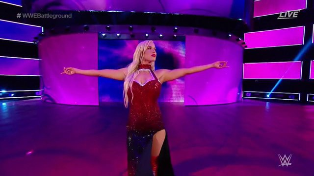 Lana Looks Stunning Pumping Gas #RAW25 #RAW #WWE #Lana #TotalDivas #SDLive https://t.co/6iYNMIKt3E https://t.co/SviTPvMEAv