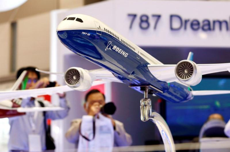 Boeing completing 787-10 flight tests with GE engines
