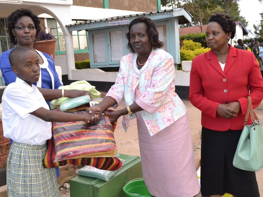 With just Sh500, orphan teen travels to Nandi for school