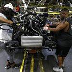 Ford to award profit-sharing checks of $7,500