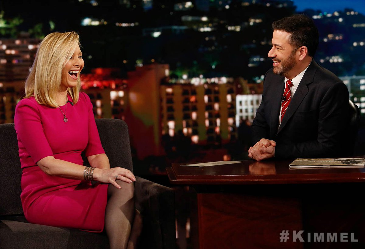 RT @JimmyKimmelLive: The very funny @LisaKudrow! #Phoebe #GraceAndFrankie https://t.co/Dm8AiWxupc