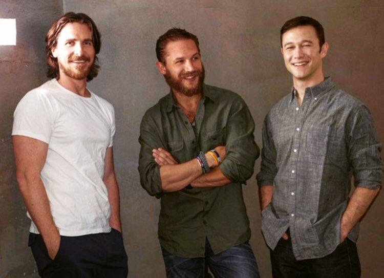 Dark Knight Rises photo shoot w/ Christian Bale and Tom Hardy. https://t.co/6YSlQTGLLt https://t.co/Lg4kQWMig6