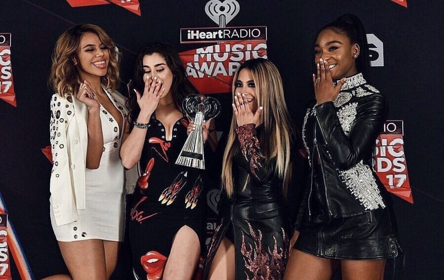 RT @FifthHarmony: Last year at the #iHeartAwards was INCREDIBLE. Ready to repeat, #Harmonizers?! #BestFanArmy https://t.co/uIOht5RHBb