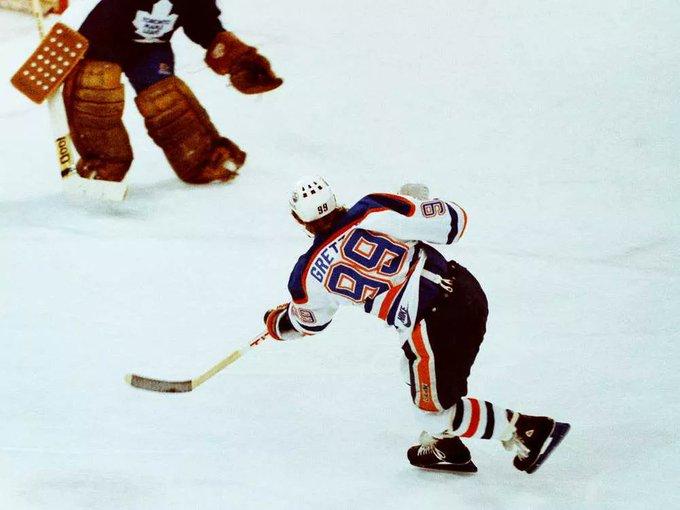 Happy Birthday Wayne Gretzky!