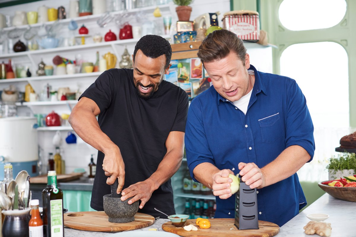 ???? When the bassline drops, grate and grind! ???? #FridayNightFeast https://t.co/2Kr8iKDcxX