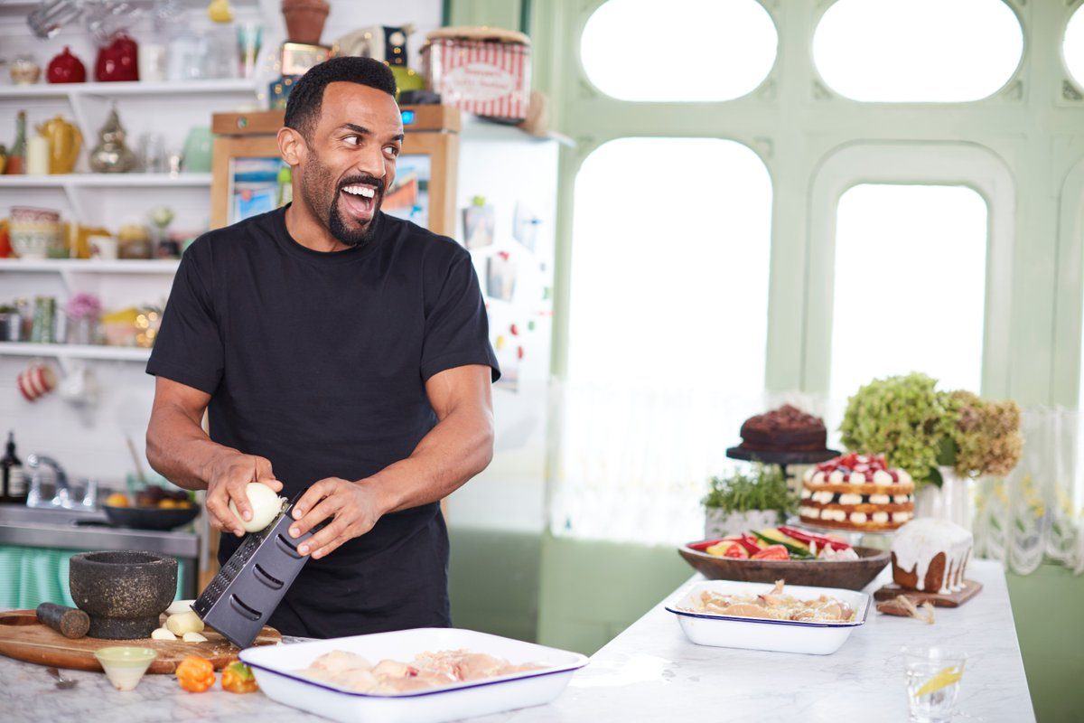Oh, @CraigDavid. We'd never walk away from you. #FridayNightFeast https://t.co/4blYxnIOmY