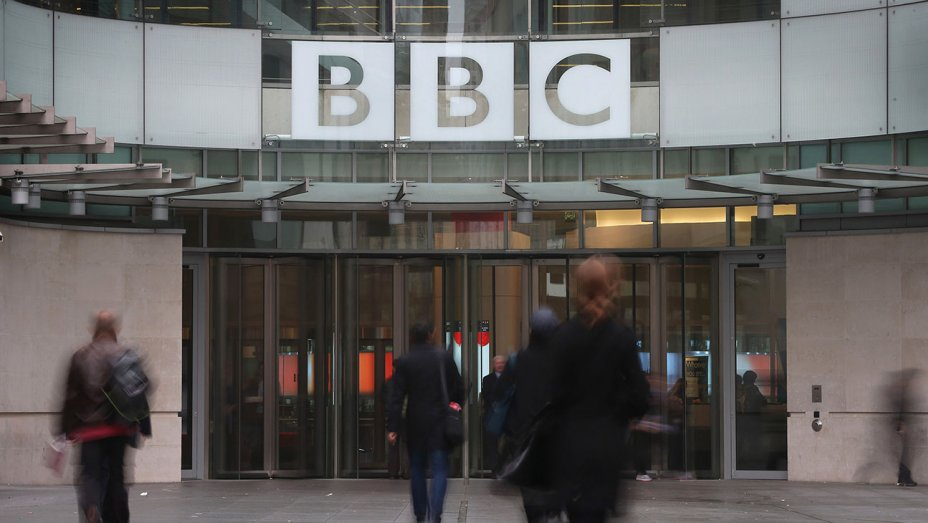 6 male BBC presenters agree to pay cuts amid gender gap controversy