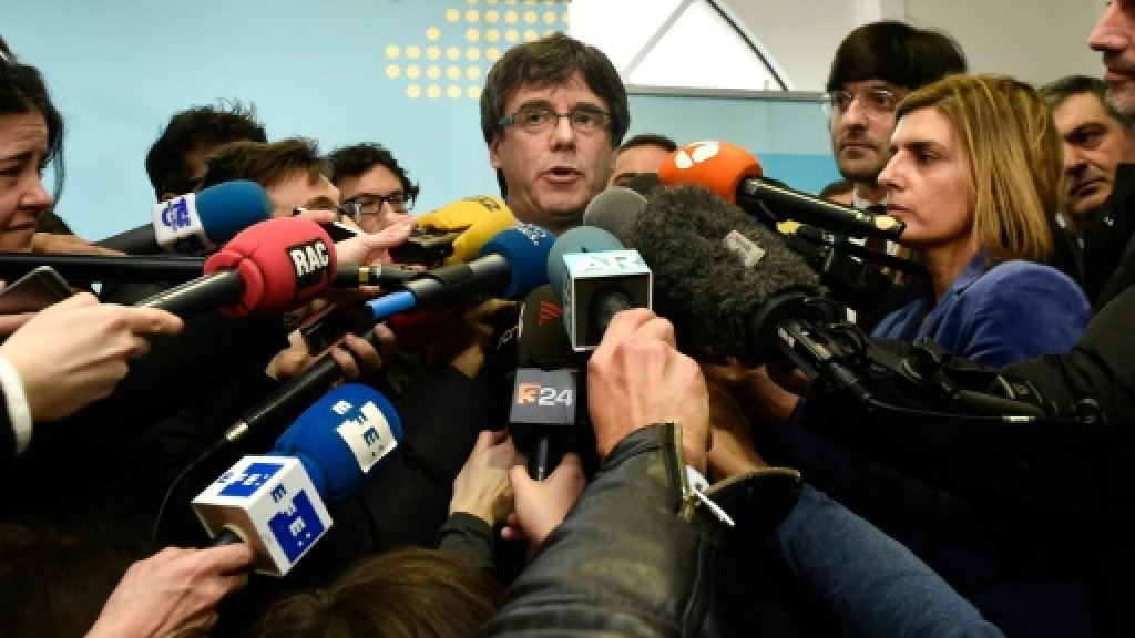 Spain turns to court to block Puigdemont's Catalan comeback bid