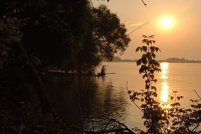 #onthebank #lkbaits #carpfishing #fishing #angling #karpfenangeln #angeln #rybolov #<b>Sunset</b> #n