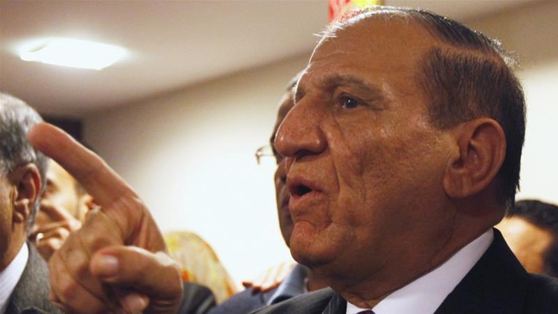 Egypt's presidential hopeful Anan held in military jail