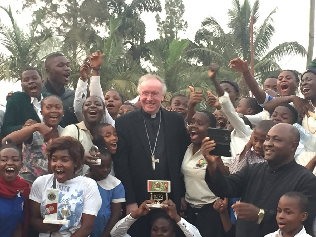 test Twitter Media - Here with the youth of Bamenda! Just been to Benediction in the Cathedral where we sang with gusto the Tantum ergo and Pater noster. Latin not only raises the heart and mind to God but it's also such a helpful tool in creating a universal Catholic culture. https://t.co/ZIGcJUutwI