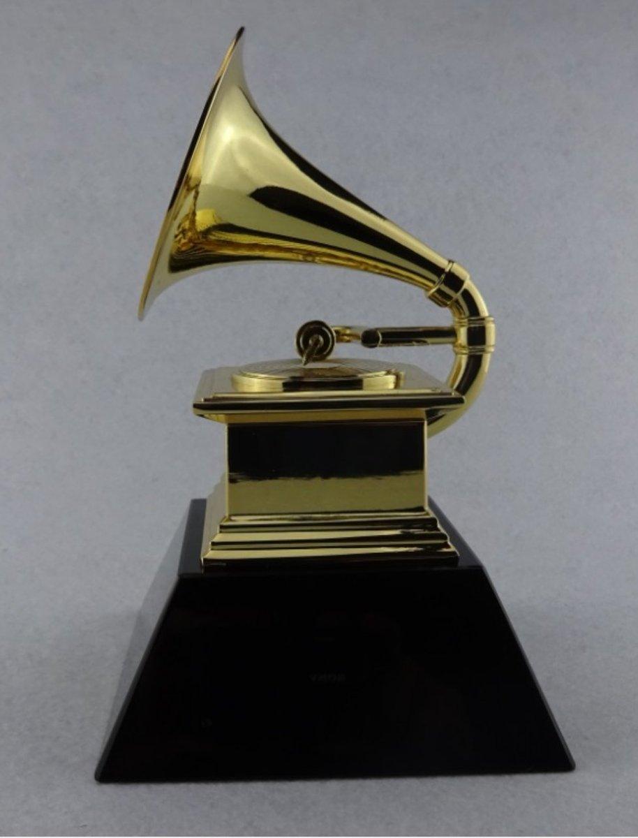RT : Ksenia for Grammy's! OpDzRokcxu yessss