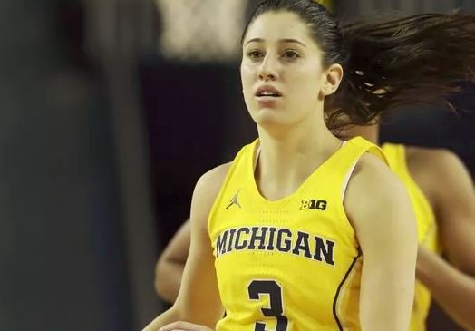 Michigan women jump to No. 13 in AP poll