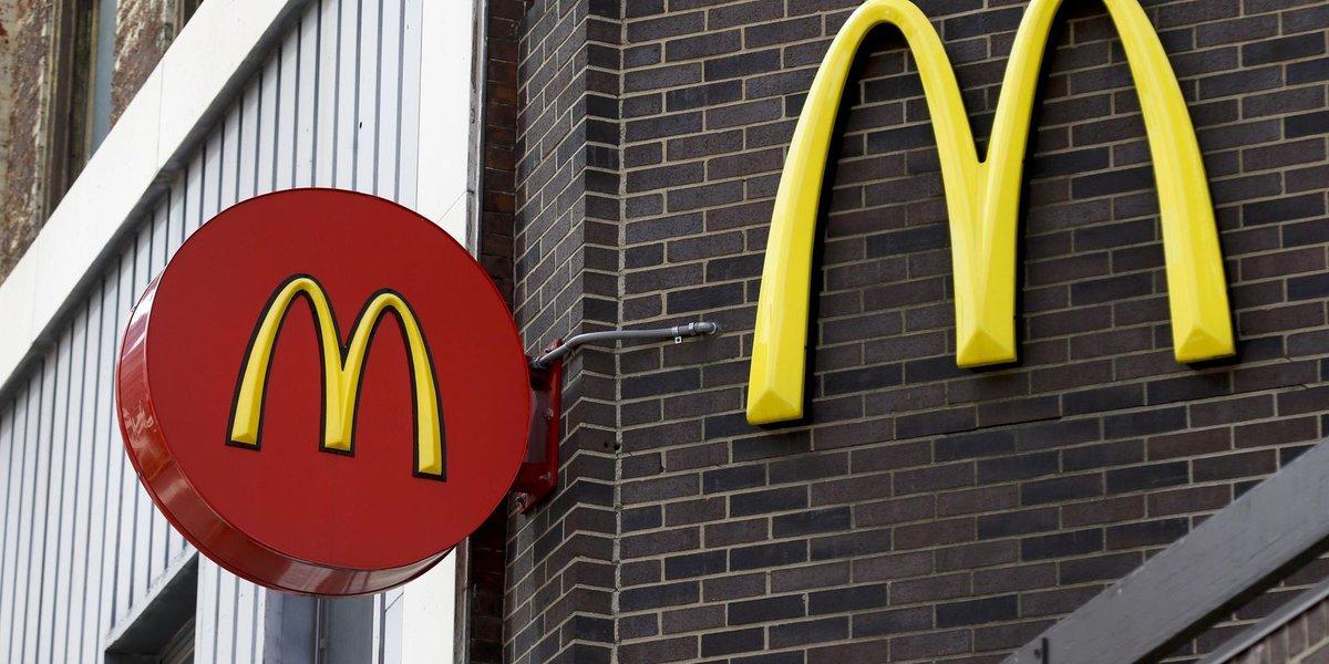 McDonald's says deals, $1 sodas boosted sales figure