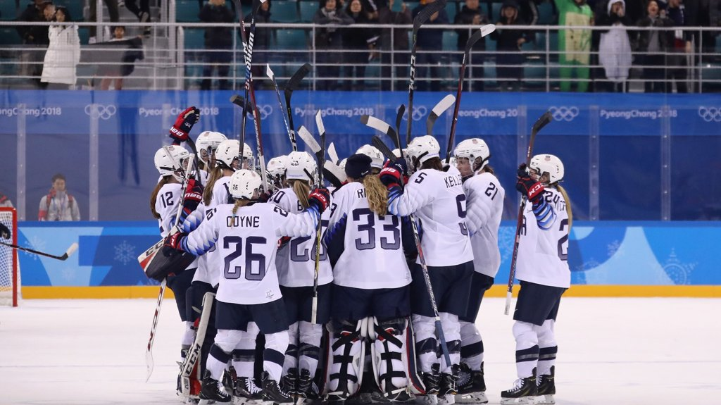 US women's hockey team defeats Finland in first game of 2018 Olympics