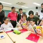 Comics to help improve students' Chinese essay-writing skills