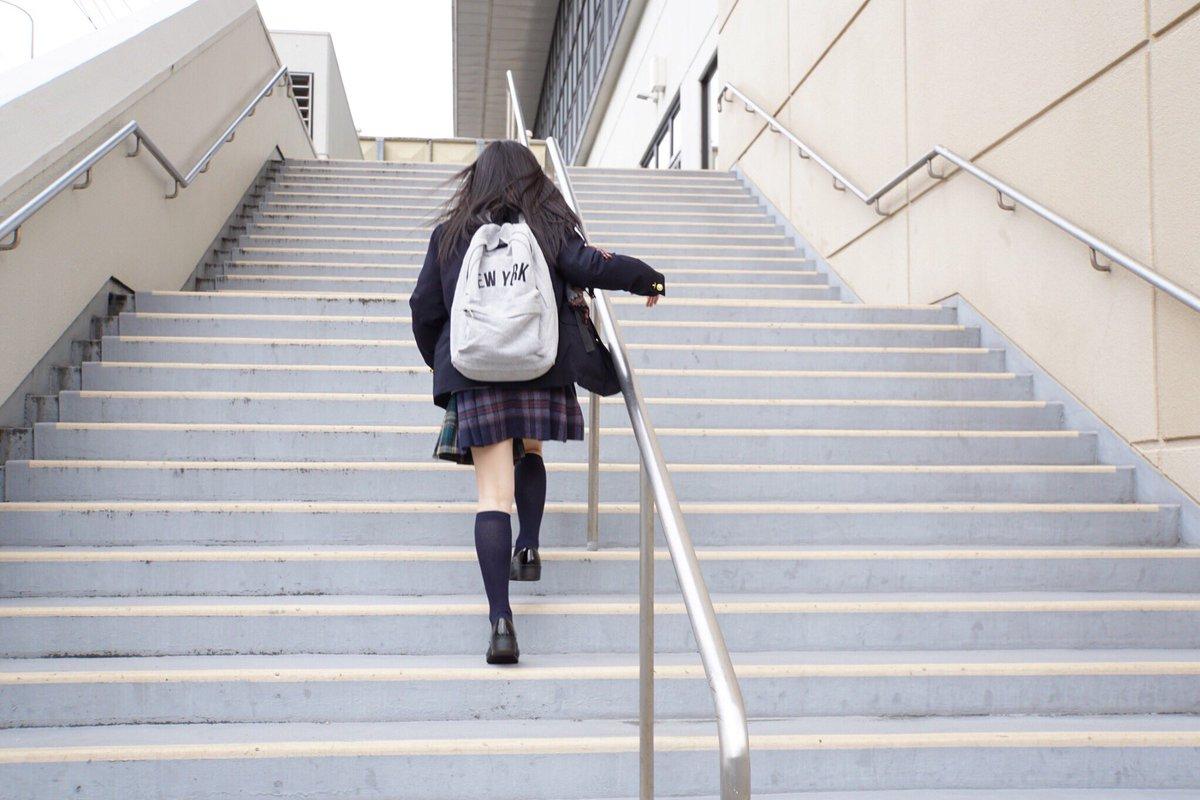 紺ハイソックスに萌え萌え【2足目】 [無断転載禁止]©bbspink.comYouTube動画>17本 ->画像>1212枚