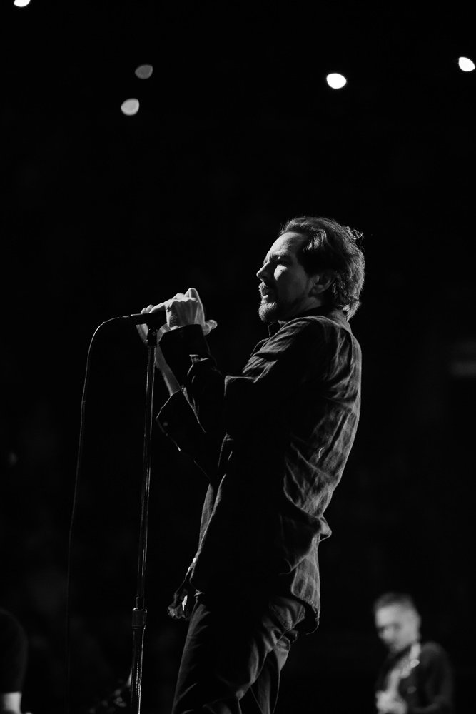 'And I don't want to know your past But together share the dawn' #Parachutes #PearlJam https://t.co/HAKEhqYFJi