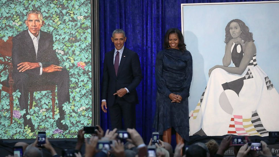 Historic Obama portraits unveiled at National Portrait Gallery https://t.co/0cwQeXZdba https://t.co/mIrmBtIIuW