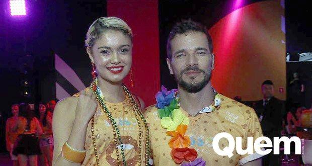 Daniel De Oliveira. Foto do site da Quem Acontece que mostra Com Daniel de Oliveira, Sophie Charlotte aposta em micro short para o Carnaval 2018