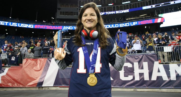 From the sidelines at @GilletteStadium to the @Olympics in PyeongChang!  Best of luck, @thekellyclark! https://t.co/2opxHVxAVQ